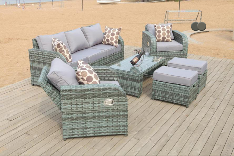 £399 instead of £975 (from Dreams Outdoors) for a rattan recliner lounge set - choose from grey or natural and save 59%