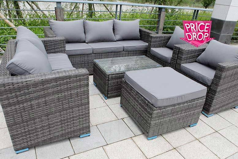 £469 instead of £985 (from Dreams Outdoors) for an eight-seater rattan garden set - choose from black, grey and brown and save 52%