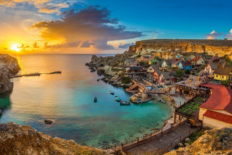 3nt 4* Luxury Malta Spa Break, Hydrotherapy, Wine, Fruit & Flights