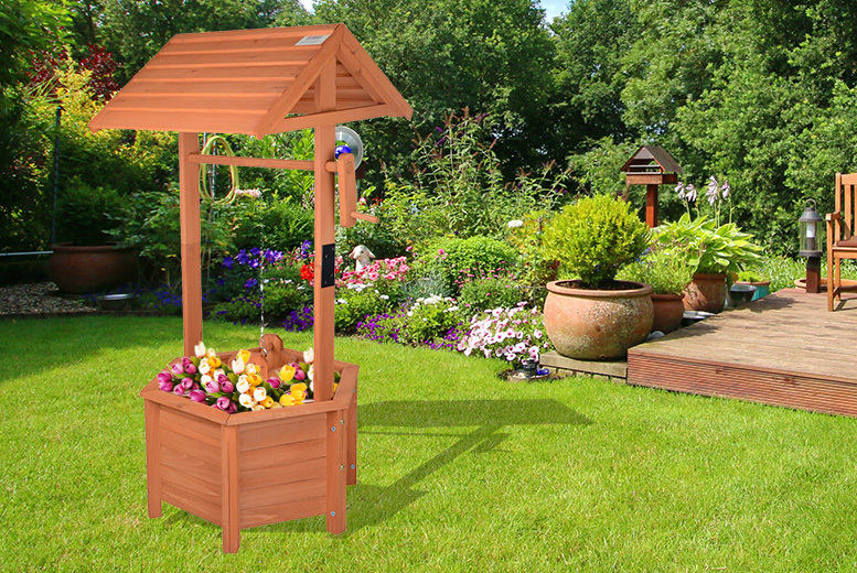 Wooden Wishing Well Planter for £19.99