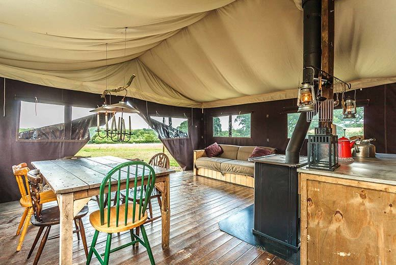 Edinburgh: 2-4nt Feather Down Luxury Glamping Stay for up to 6 – 16 Locations! from £199