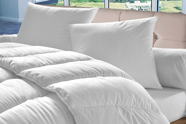 10.5 Tog Anti-Allergy Duvet with 4 Pillows