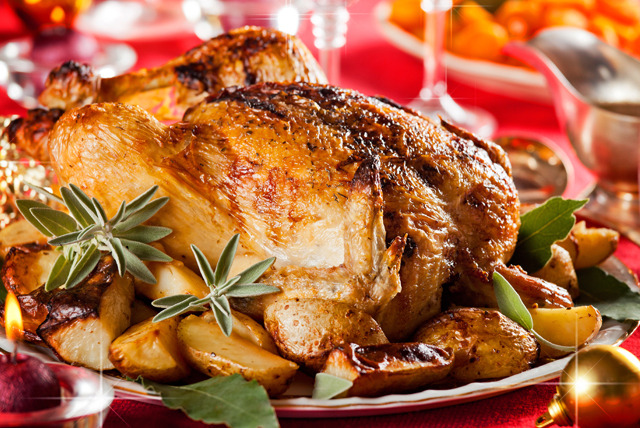 £44 instead of £78 (from Highland Foods) for a Christmas hamper inc. a whole duck, whole chicken, turkey breast and gammon joint - save 44%
