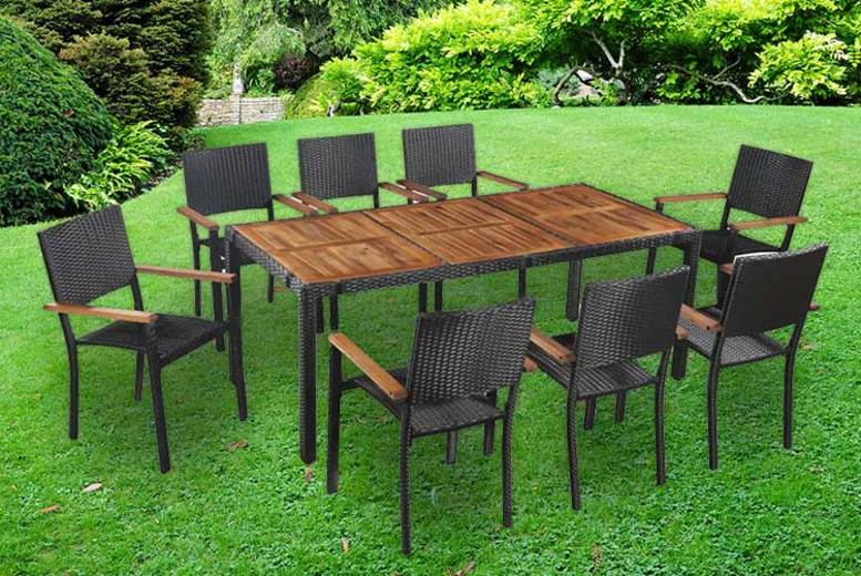 9pc Outdoor Dining Table Rattan Set for £399