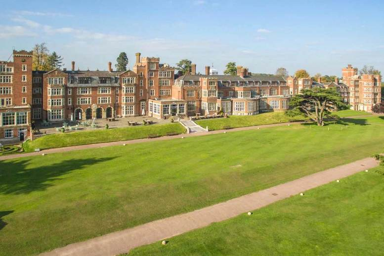 4* De Vere Selsdon Estate, Dining, Leisure Access & Late Check Out for Two