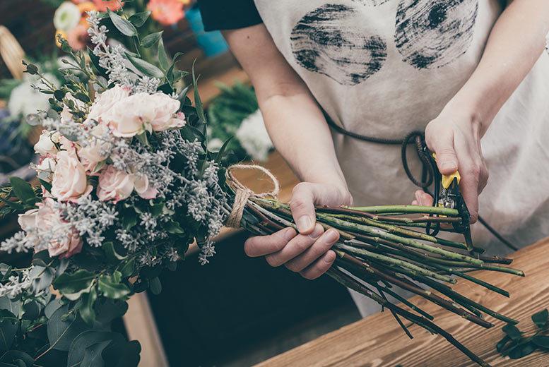 Activities: Flower Arrangement Workshop, £40 Voucher & Centrepiece