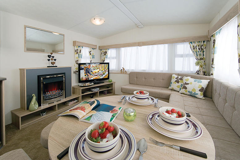 3-7nt North Wales Caravan Holiday, Pool Access & Entertainment for up to 6 People