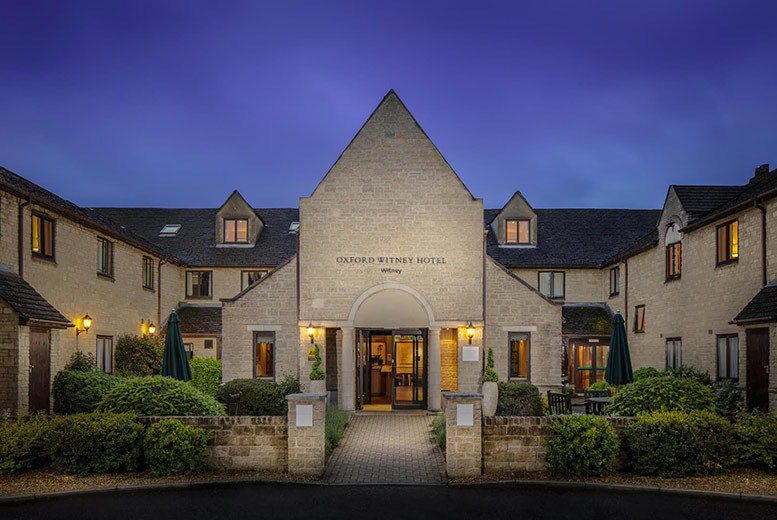 4* Oxfordshire Countryside Spa, Dinner & Breakfast for 2