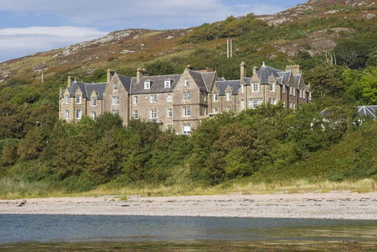 Glasgow: 1-3nt Highlands Stay, 3-Course Dining & Wine for 2 @ Gairloch Hotel from £69