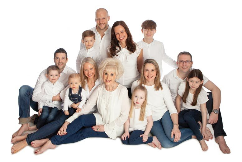 Glasgow: 1hr Family Photoshoot & 5 Prints @ Premier Photography for £12
