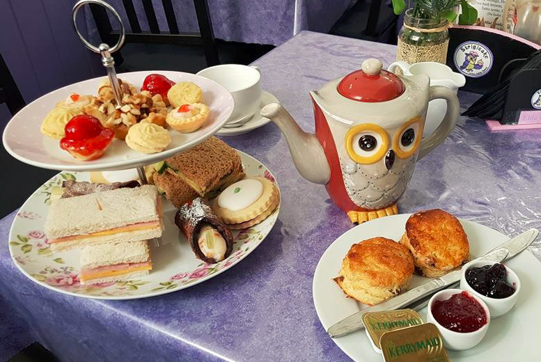 Edinburgh: Afternoon Tea for 2 or 4 @ Strigicake from £14