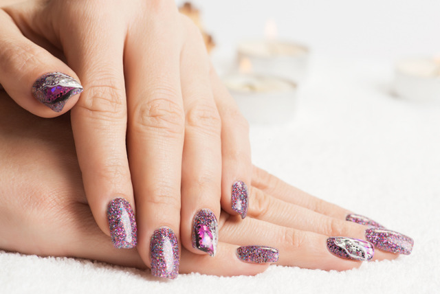 £9 instead of £23 for a set of rock star nails including gel glitter polish at Cegees, Edinburgh - save a rocking 61%