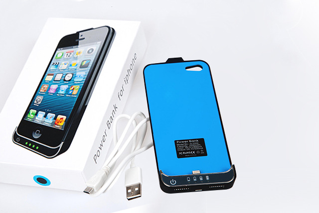 £10 instead of £16.99 (from Time 2) for an iPhone 4/4S battery case or £14 for an iPhone 5 battery case - save up to 41%