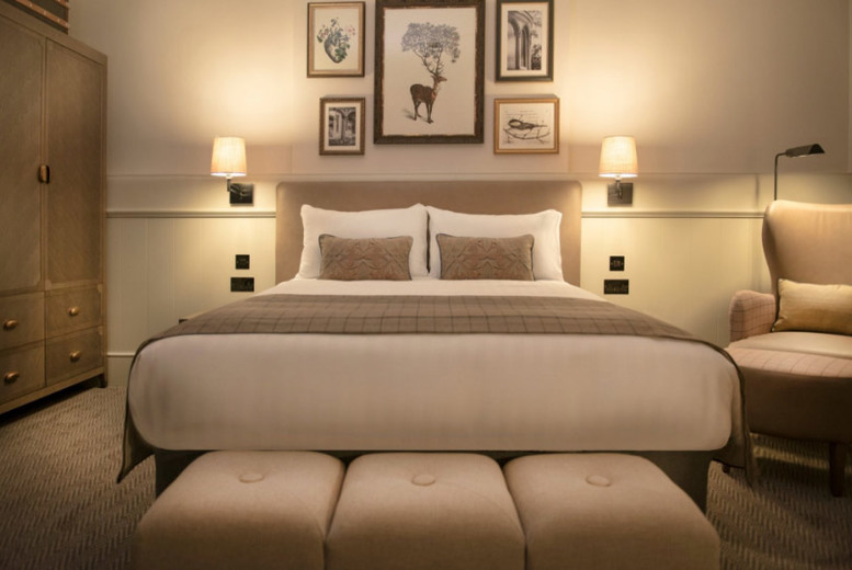 Spas & Country House: Luxury Stay for 2, B'Fast, Dinner & Late Checkout @ De Vere Latimer