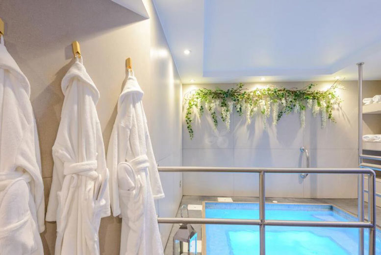 4* Mother's Day Spa Day, Treatments & Bubbly For 2 @ The Chilworth