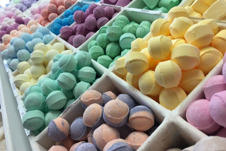 100 Mini Marble Bath Bombs – 5 Scents! (£21)