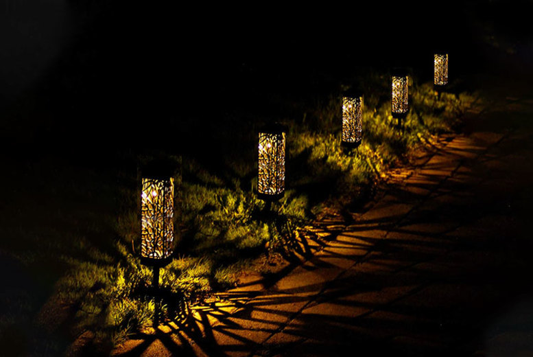 Carved Rattan Effect Solar Powered Garden Lights – 1, 2 or 4 (£7.99)