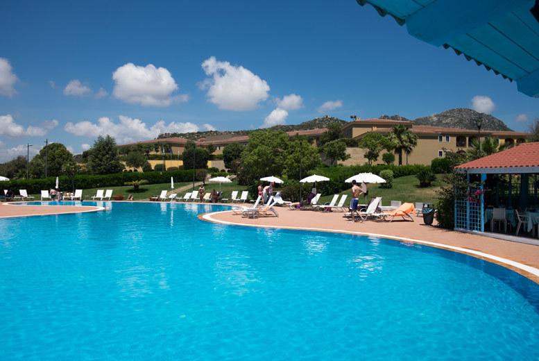 3-7nt 4* Sardinia Getaway, Breakfast & Flights