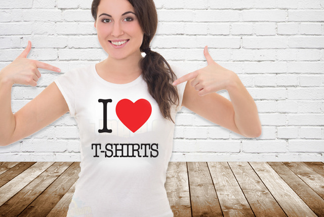 £9.99 instead of £17.99 (from Print Me A Shirt) for a personalised 'I Love' T-Shirt - save 44% + DELIVERY INCLUDED