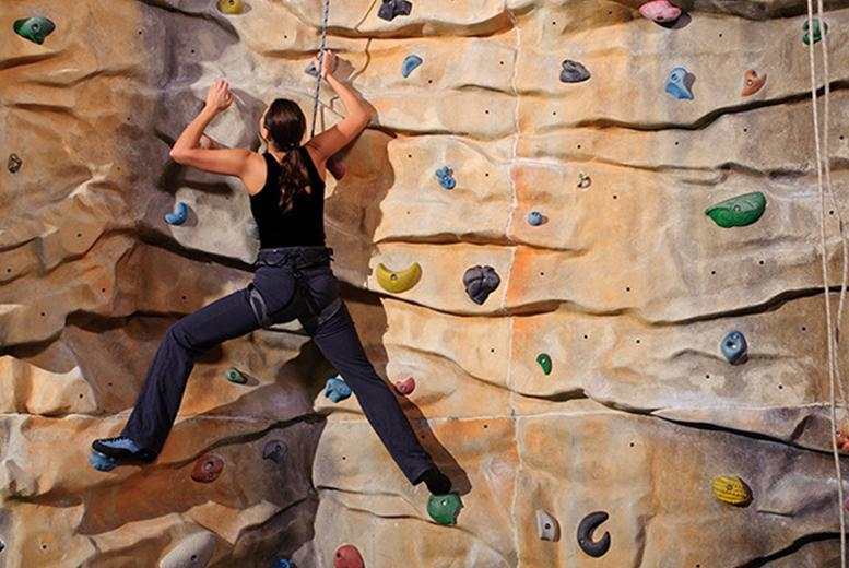 £9 instead of £23.50 for a 30-minute indoor climbing lesson, one-day pass and one-year's membership at City Bloc Indoor Climbing Wall, Leeds - save 62%