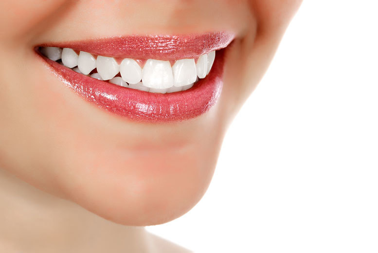 From £69 for an LED teeth whitening session, or from £119 for a Zoom teeth whitening session at London Smile Kraft