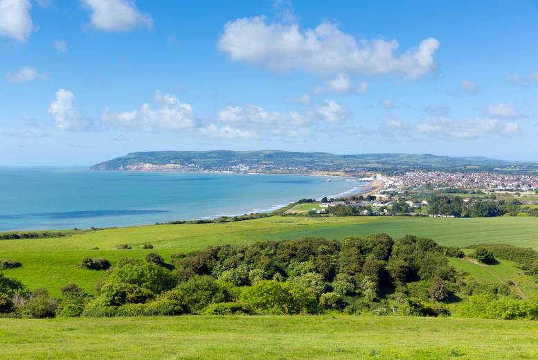 £36.75 instead of £49 for a child ticket for an Isle of Wight day trip including return ferry travel or £40.50 for an adult ticket with Anderson Tours - save 25%