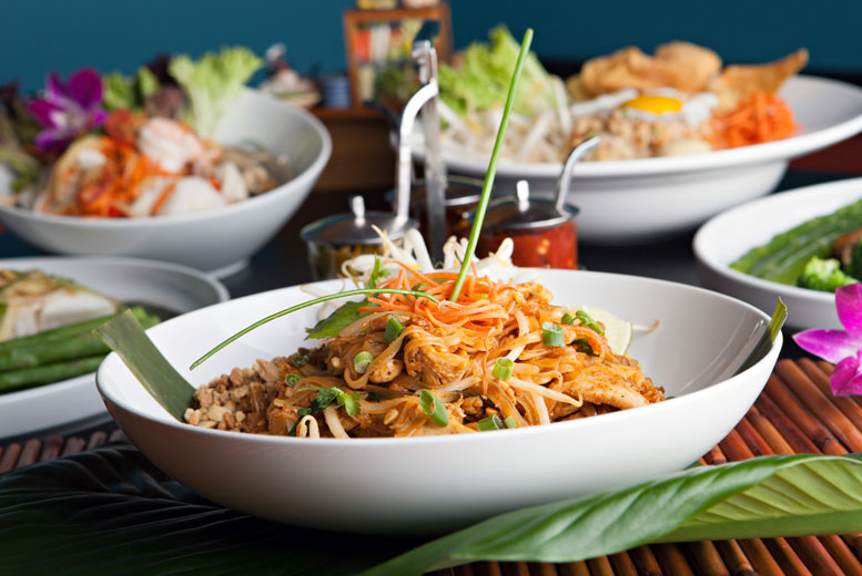 £14 for a Thai meal for two people including a starter and main each plus prawn crackers, or £27 for four people at Line Thai Oriental, Leeds - save up to 51%