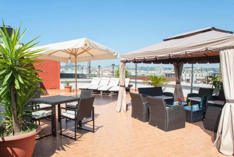 European City Breaks: 2-3nt Naples Holiday, Breakfast & Flights