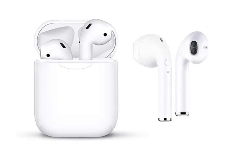 i10 Apple-Compatible 5.0 Wireless Earbuds & Charge Case (£19.99)