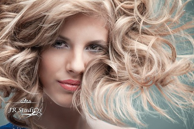 £37 instead of £135 for a half head of highlights, cut, deep conditioning treatment and blow dry at JR Studios - save 73%