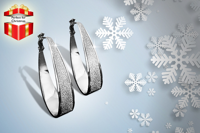 £9 instead of £49.95 (from Shining Glamour) for a pair of crystal dust Swarovski Elements earrings - save 82%