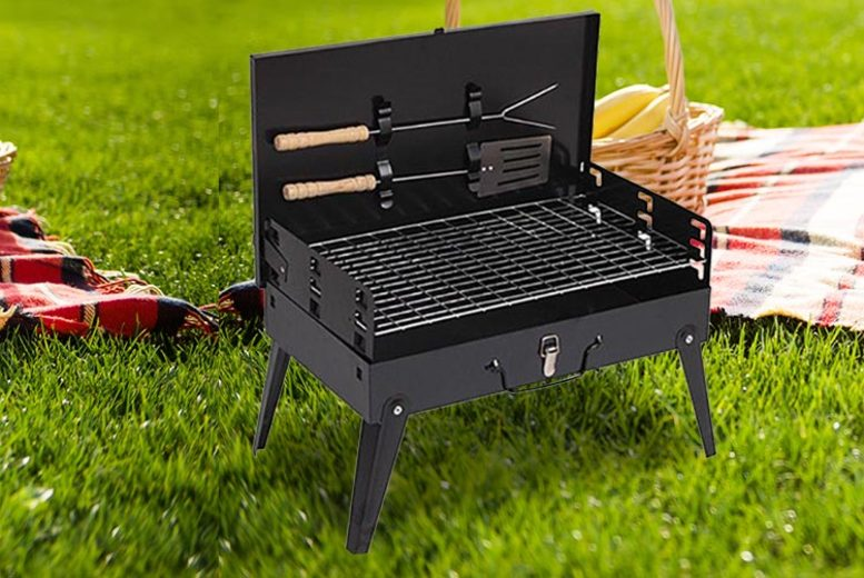 Foldable Briefcase Barbecue Set (£13.99)