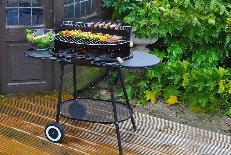 Family-Size Oval BBQ with Wheels (£34)