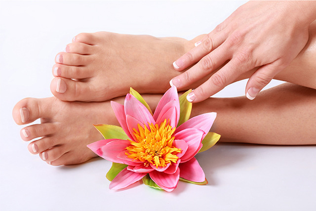 £19 instead of £50 for a foot spa and reflexology treatment at Sante Spa Ltd, London - save 62%