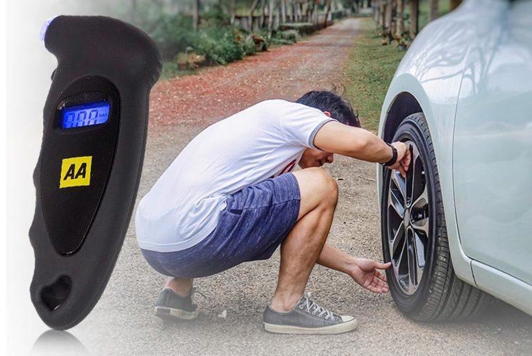 AA Digital Tyre Pressure Gauge with LCD Display (£7.99)