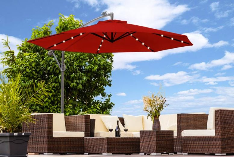 XL or XXL LED Cantilever Garden Parasol with Protective Cover  5 Colours!