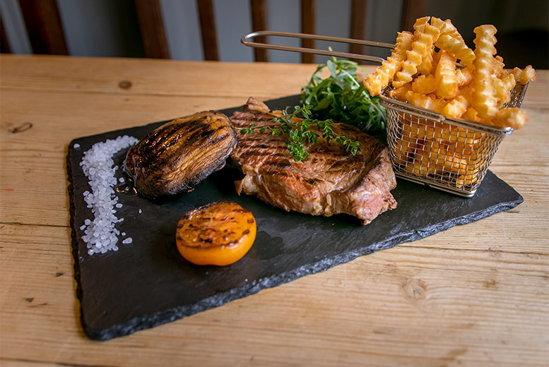 Restaurants & Bars: Steak Dining & Bottle of Wine for 2, London Bridge