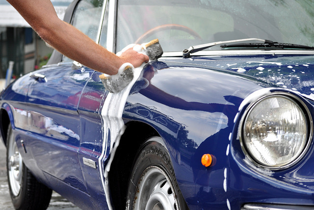 £9 instead of £25 for a 'quick' valet car cleaning service, £14 for a 'mini' valet at DRM Valeting - save up to 64%