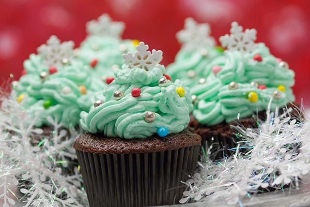 £5 instead of £15 for 6 standard or Christmas cupcakes from Any Occasion Cakes, Shirley - save 67%