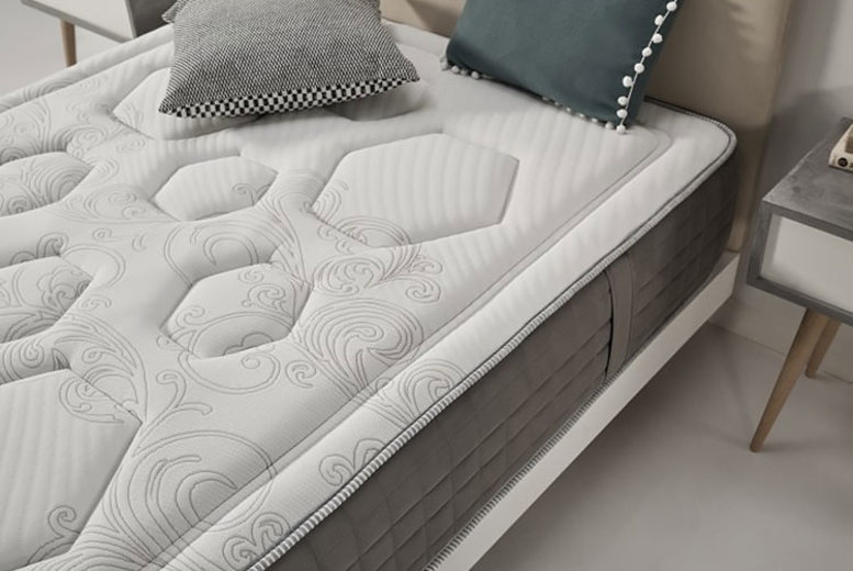 Hexaflex Gel Mattress – 3 Sizes! (£159)