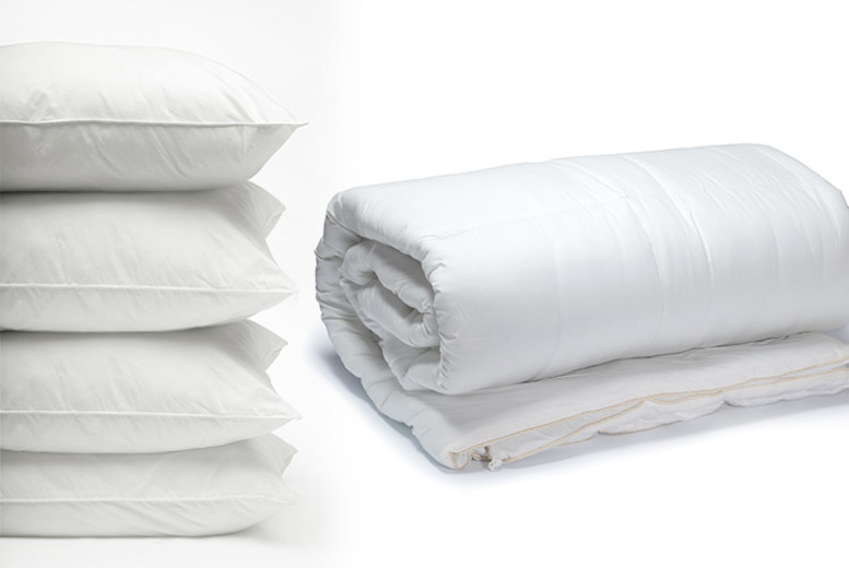 Super Light 3 Tog Summer Duvet w/ 4 Pillows – 4 Sizes! (£11.99)