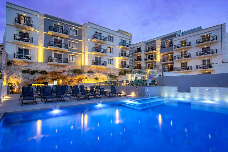 Beach Holidays: 2-5nt 4* Malta Escape, Hydrotherapy Spa Treatment & Flights