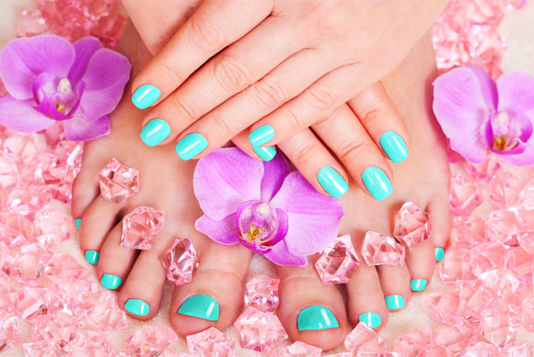 £9 instead of £25 for a shellac manicure, or £16 for a shellac manicure and pedicure at Fabulous Nails and Beauty at Gold Fingers, Plaistow - save up to 64%