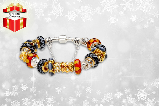 £12 instead of £89.99 (from Hatton Gardens Jewels) for a gorgeous charm bracelet in a choice of 12 designs - save 87%