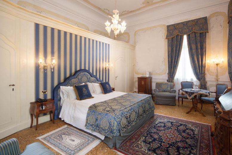 European City Breaks: 2-3nt 5* Luxury Venice Mini-Break, Breakfast & Flights