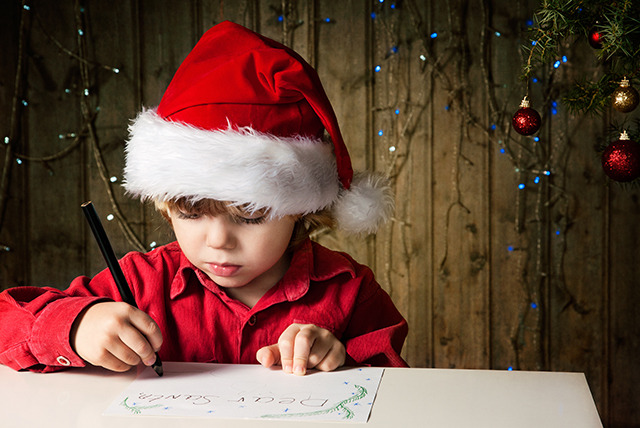 £6 for 2 adult tickets to a Santa's Workshop day, £8 for a family with Rocks by Rail, Leicester - save up to 57%