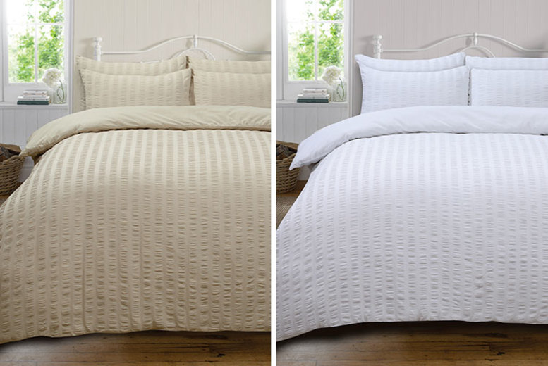 Highams Seersucker Duvet Set – 4 Colours & 4 Sizes! (£12)