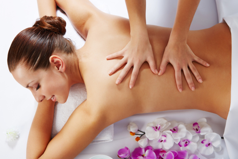 £19 for a 90-minute pamper package of full body massage and 30-minute deep cleansing facial at Scissorz Hair & Beauty, Walkden