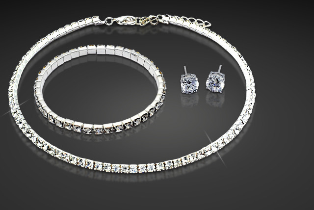 £19 instead of £90 (from Cian Jewels) for a tri set made with Swarovski Elements inc. bracelet, earrings and necklace - save 79%