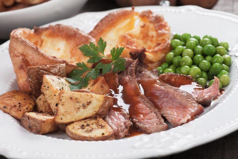 Restaurants & Bars: Carvey Roast Lunch For 2 Or 4 @ Hardwicke Hall Manor